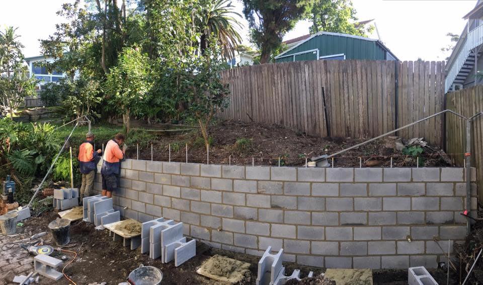 Bricklaying Amp Block Laying Retaining Wall Constructions
